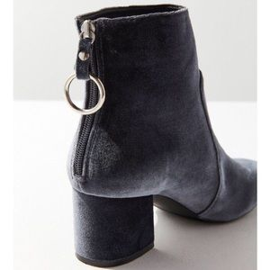 Urban Outfitters blue velvet o-ring booties